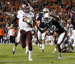 Ramblin' on the Plains With Manziel leading the Aggies road effort on the Auburn Plains, Texas A&M scored 7 TDs in their first 8 possessions en route to a 63-21 win over the Tigers.