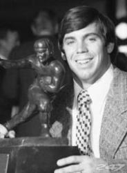 Found Out When He Was Eating Turkey Leftovers? Unlike the live national broadcasts in today's age that feature Heisman finalist and the award presentation, Sullivan was not on hand to personally accept the award. Instead he saw the announcement Thanksgiving Night of the 1971 Georgia-Georgia Tech football game