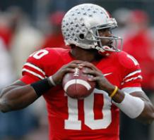 Buckeyes QB Troy Smith led Ohio State to an undefeated regular season in 2006